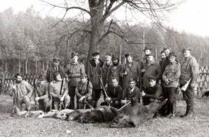 Po udanym polowaniu – 1977r.