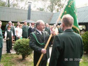 Przekazanie sztandaru prezesowi Z. Pawłowskiemu – 6 IX 2008 r.
